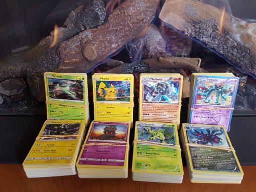Pokemon Kaarten Set - 50 willekeurige kaarten met in ieder geval 1 holo kaart