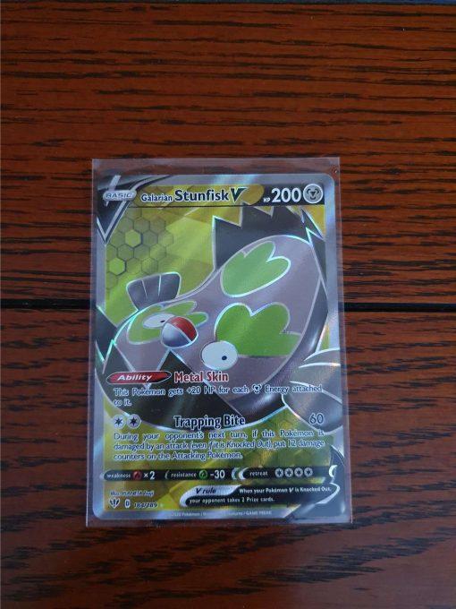 Pokemon Kaart Galarian Stunfink V Ultra Rare 184/189 Sword and Shield Darkness Ablaze