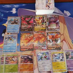 Pokemon S5a Sword & Shield Double Fighter 140 Kaarten Inclusief 6 V en 8 Holokaarten